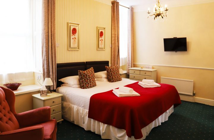 Room #2 – Super King with En-suite