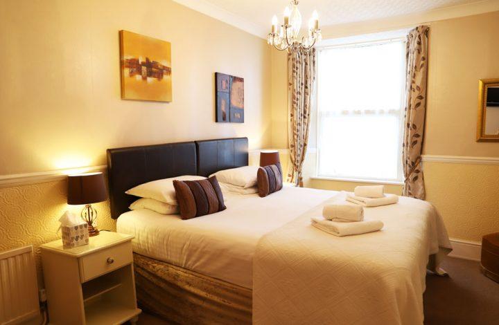 Room #7 – Super King room en-suite