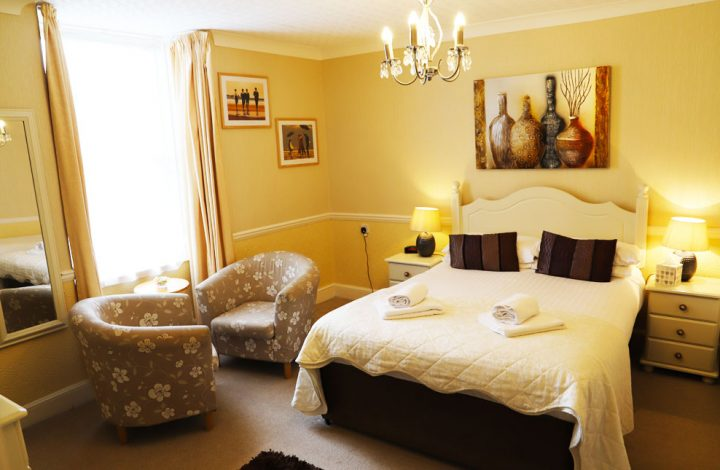 Room #9 – Spacious Double Room with en-suite